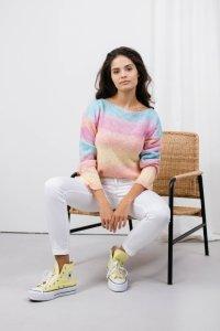 Sweter tęczowy LS326