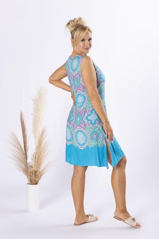 trapezowa sukienka z odkrytymi ramionami
