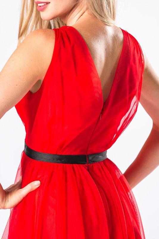 tiulowa sukienka z kopertowym dekoltem