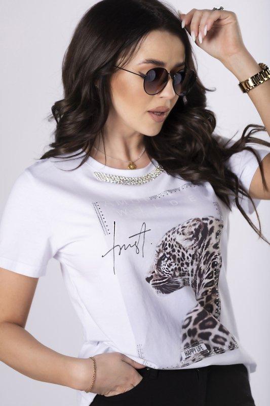 t-shirt z biżuteryjnym wykończeniem