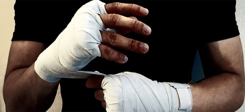 Bandaże, owijki, hand wrapy, napięstniki.