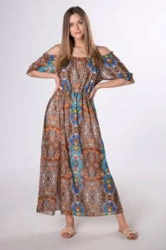 wzorzysta sukienka z hiszpańskim dekoltem