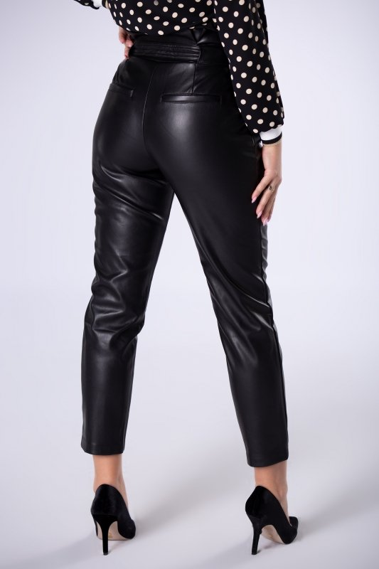 spodnie z imitacji skóry z talią typu paper bag