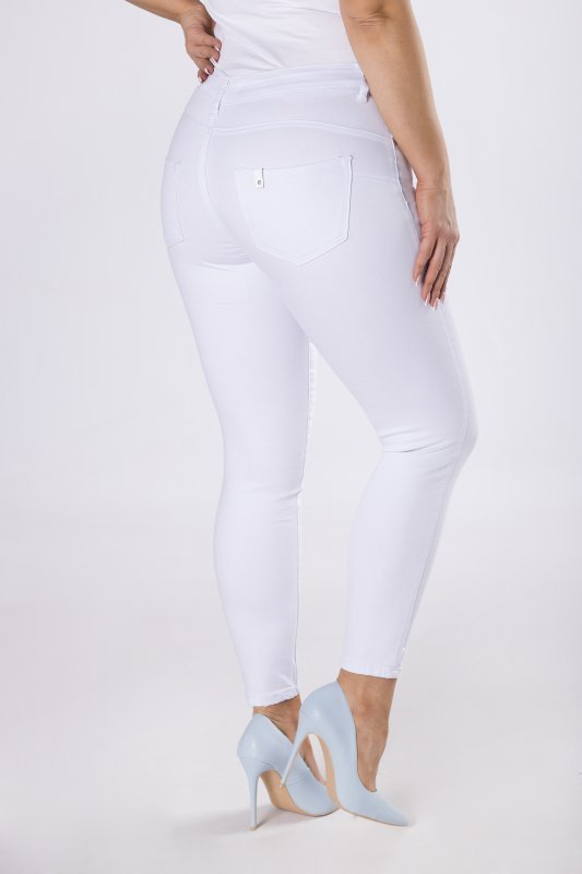 jeansy typu slim