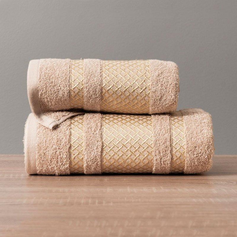 Ręcznik Lionel 70x140 kolor beżowy ze złotą bordiurą