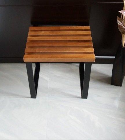 Stołek metalowo drewniany  T