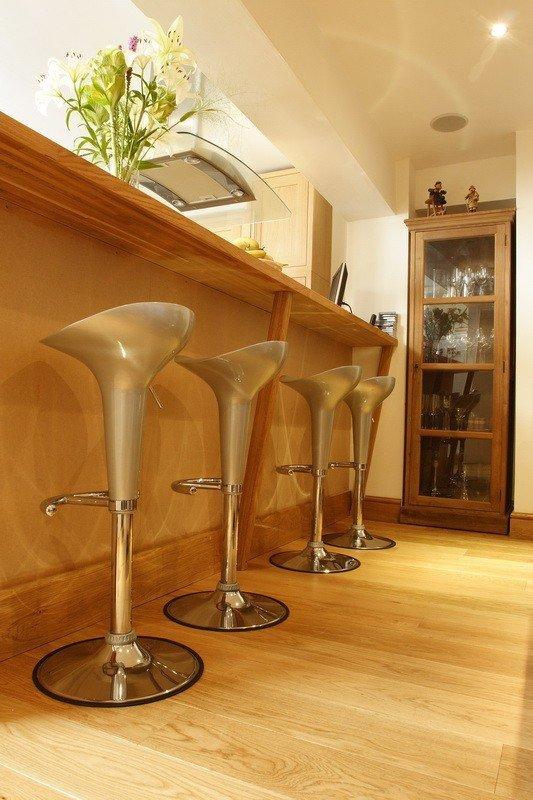 Deska podłogowa warstwowa - Dąb Honey Natur Elegance 14x120x1000-1400mm fazowana,szczotkowana, lakierowana