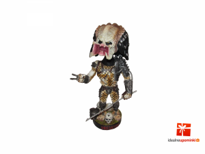 Predator Head Knocker - Bobble-Head Predator with Spear 20 cm