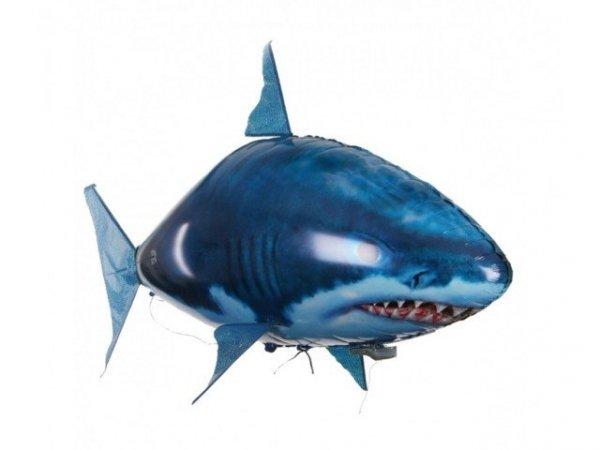 Zdalnie sterowany latający rekin