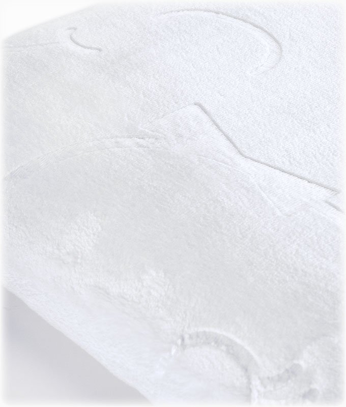 Ciepły kocyk pluszowy z tłoczeniem  EMBOSSED SENSILLO 80/100 biały