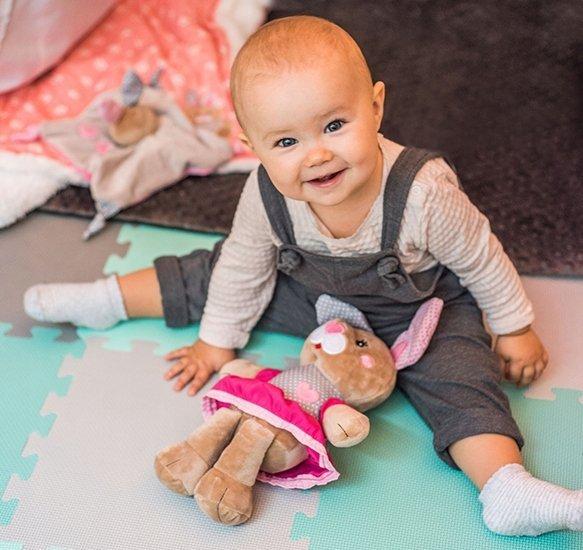 Przytulanka dla niemowląt - kocyk BUNNY JULIA  BABY ONO kod 622