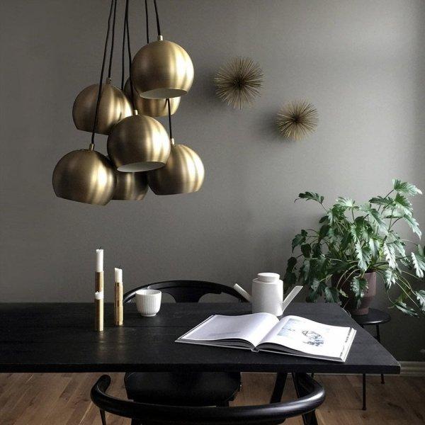 Nowoczesne wnętrze z lampą ball multi