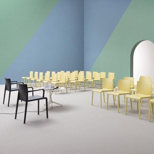 Stylowe krzesła na konferencje Volt 670 Pedrali