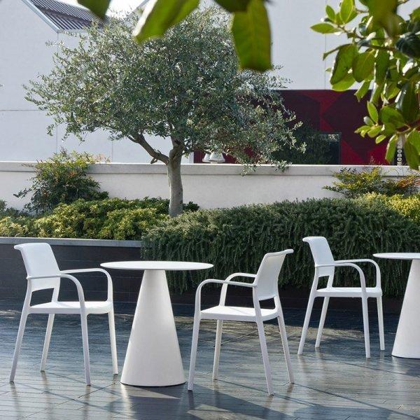 Nowoczesne krzesła ogrodowe Pedrali Ara 315