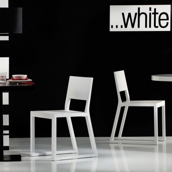 Minimalistyczne krzesło do przestrzeni komercyjnych marki Pedrali
