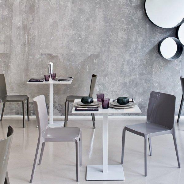 Nowoczesne krzesła do restauracji z tworzywa