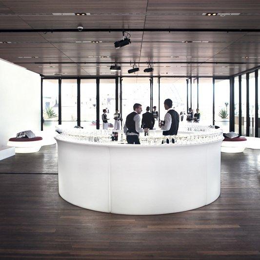 Break Bar może stać się futurystycznym stanowiskiem recepcji