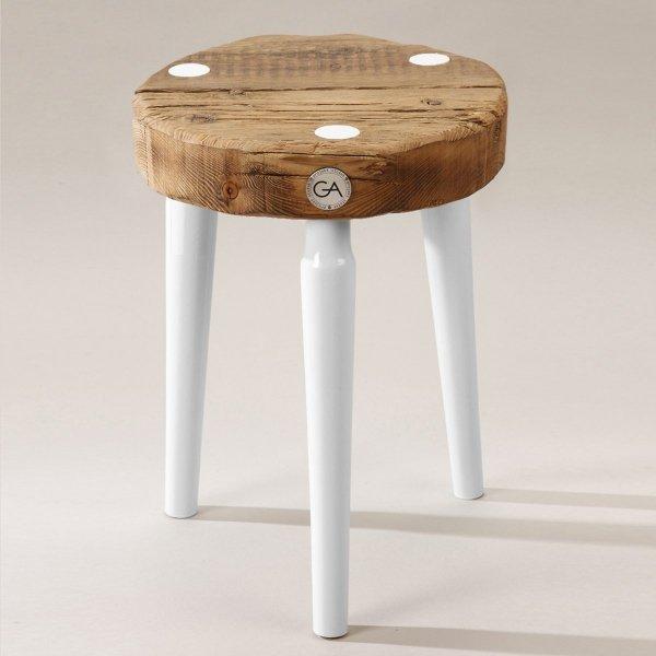 Drewniany Stołek Dots z białymi nogami Projekt Stołek