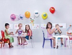 Stolik Queen Siesta czarny idealny do pokoju dziecięcego