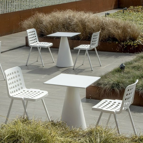 Krzesła Koi-Booki 370 Pedrali na taras