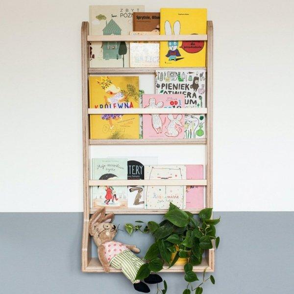 Piękna stylowa półka do pokoju dziecięcego z naturalnej sklejki