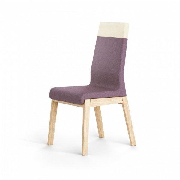 Pomimo swojej solidnej, drewnianej konstrukcji krzesło sprawia wrażenie lekkiego i nowoczesnego