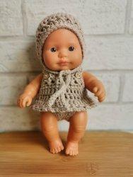 Olimi, ubranko szydełkowe z falbanką dla lalki Miniland 21cm, beżowe