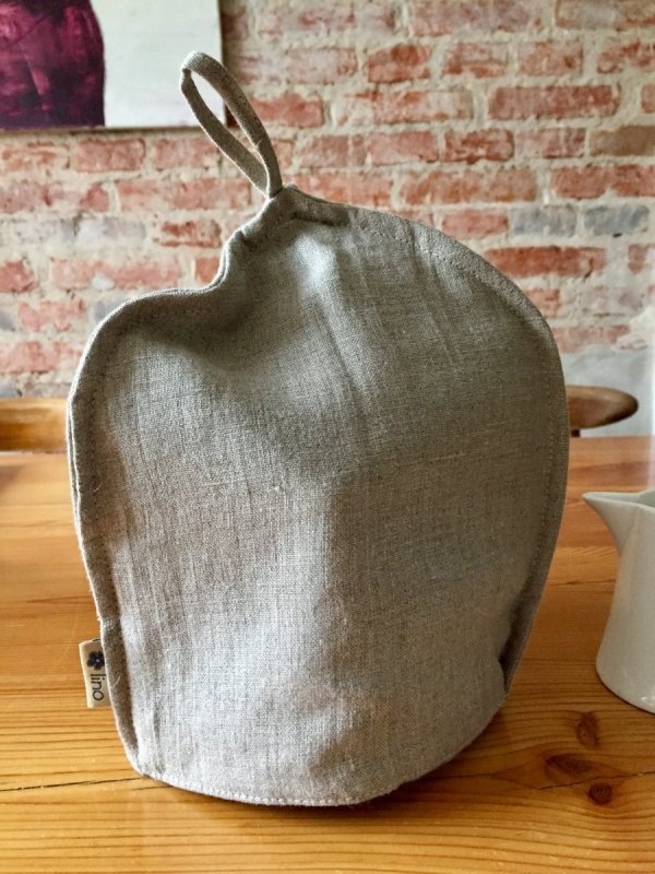 kapturek na czajnik z herbatą