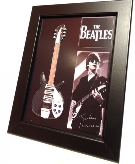 Mini gitara John Lennon- The Beatles w ramce  FMG-008