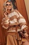 Oversizowy sweter w paski S106