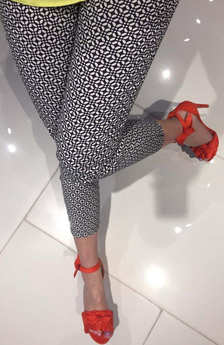 d91a11e7 Lola Fashion spodnie cygaretki wzór 10