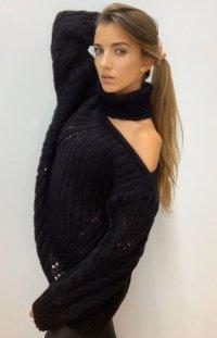 Asymetryczny sweter z golfem Inez czarny