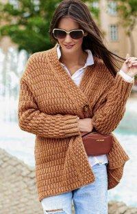 *Ciepły sweter zapinany na guzik Numinou S66