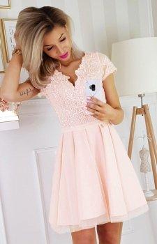 Brzoskwiniowa koronkowa sukienka z tiulem 2180-17