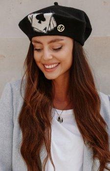 Wełniany beret z aplikacją AS LGK122