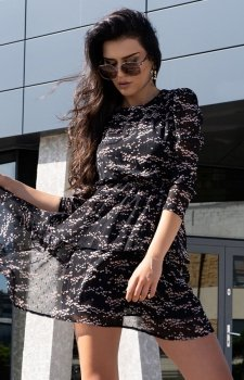 Kobieca sukienka z ozdobną falbaną Saphir D165