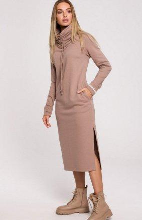 Maxi sukienka z wysokim golfem cappucino M622