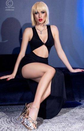 *Seksowna dopasowana sukienka czarna 4445