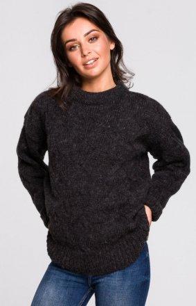 Ciepły swetr z warkoczowym splotem antracytowy BK038/1