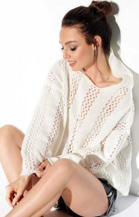Ażurowy sweterek z kapturem ecru LS283