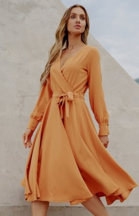 Casualowa sukienka midi karmelowa L392A