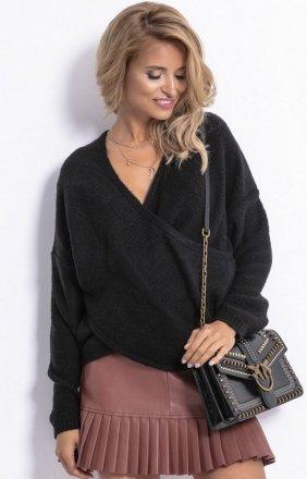 Sweter z kopertowym dekoltem czarny F781