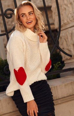 Oversizowy sweter z golfem ecru S104