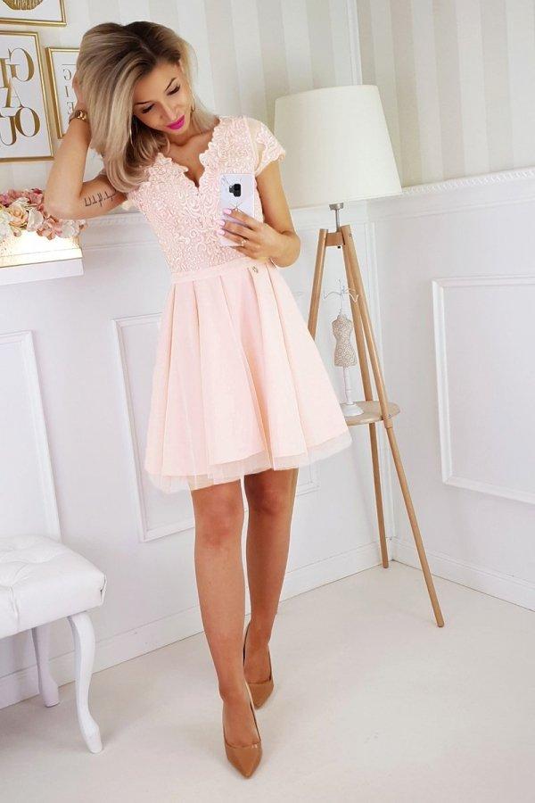 Brzoskwiniowa koronkowa sukienka z tiulem 2180-17-1