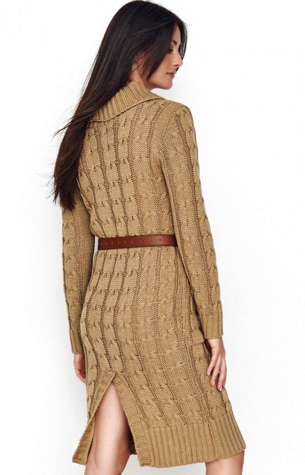 Sweterkowa sukienka z golfem karmelowa S68 tył