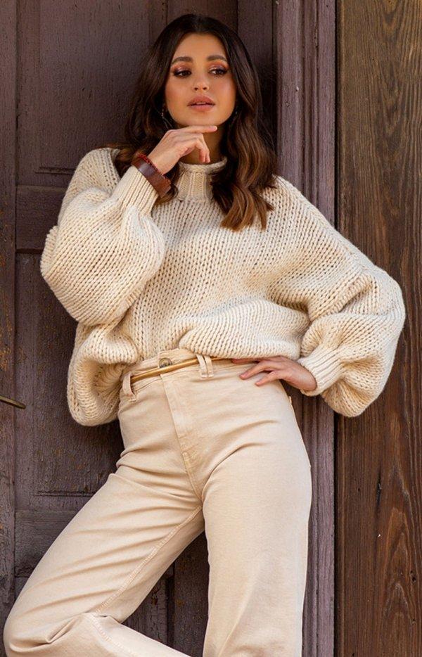 Oversizowy sweter z kaszmirem ecru F1110
