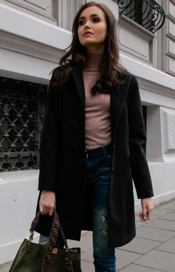 Wełniany płaszcz czarny Roco P012