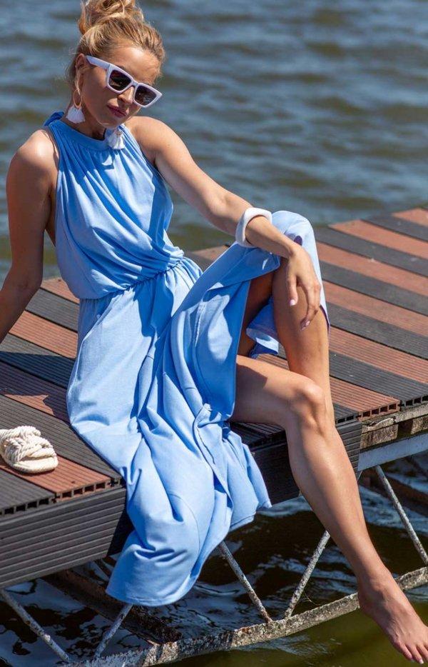 Efektowna sukienka maxi błękitna
