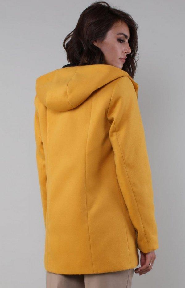 Karmelowy płaszcz z kapturem NA185LP tył