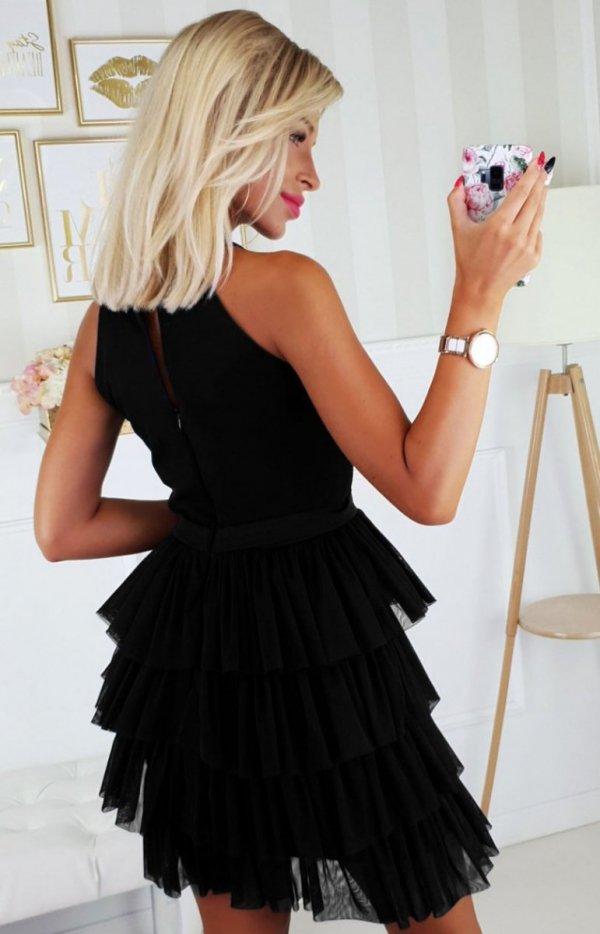 Czarna wieczorowa sukienka z falbankami 2188-06 tył